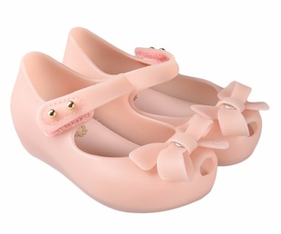 Pink Shoes up to 50%