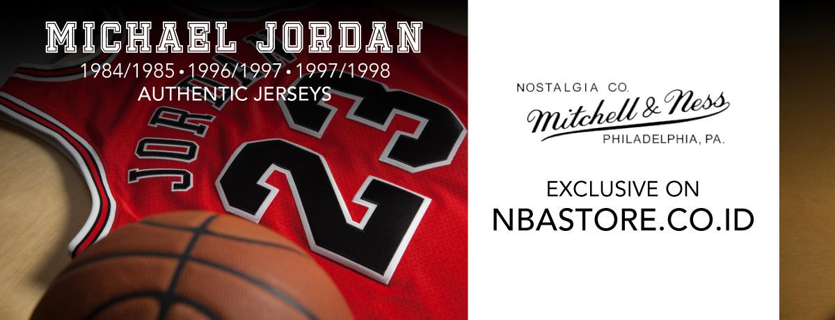 Mitchell & Ness Michael Jordan Jersey
