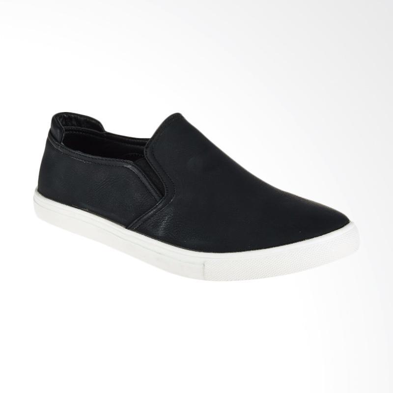 Papercut Men Chelsea Slip On Sepatu Pria Black T05