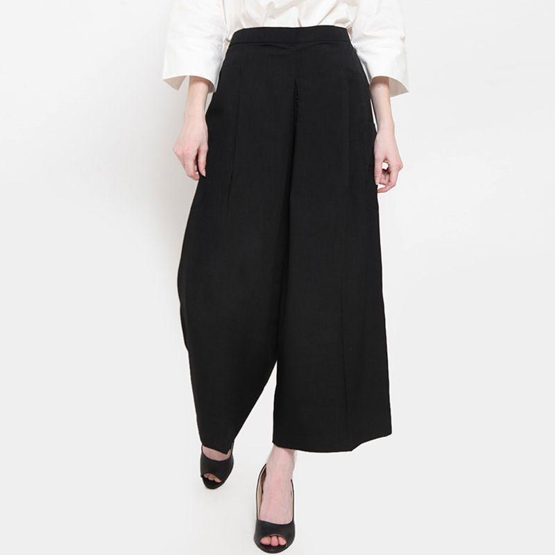 Heart and Feel Basic Cullotes Long Pants Wanita Black
