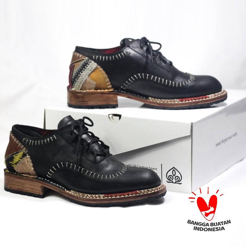Akar Sisirangan Low Sepatu Boots Unisex