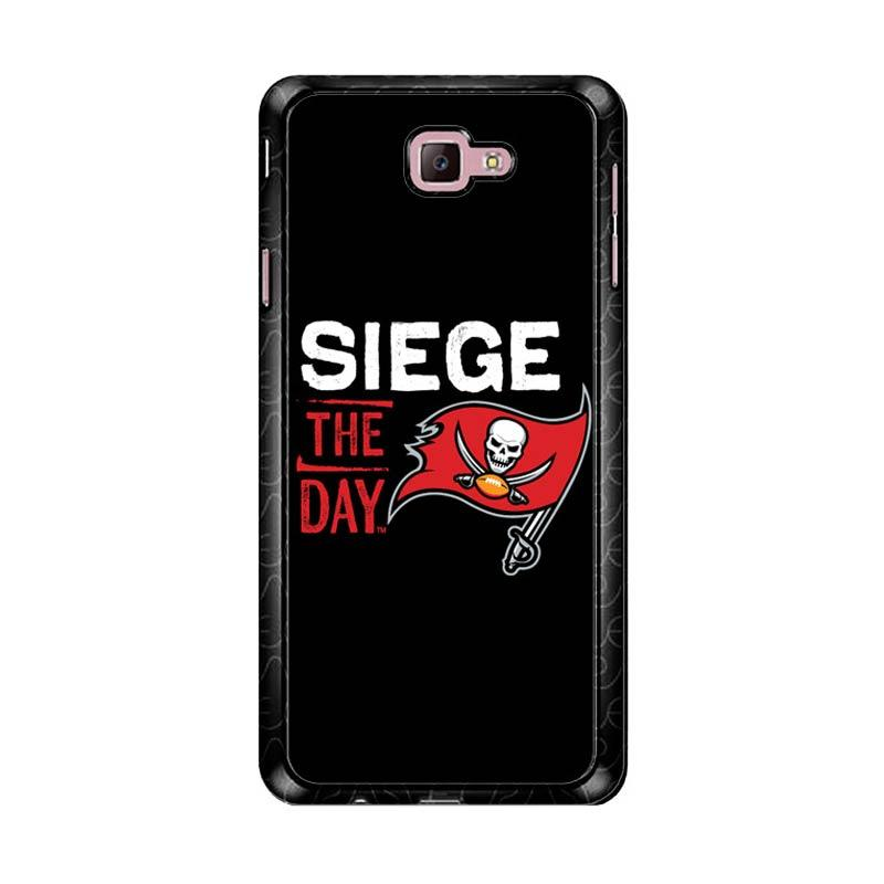 Flazzstore Tampa Bay Buccaneers Z4147 Custom Casing for Samsung Galaxy J7 Prime