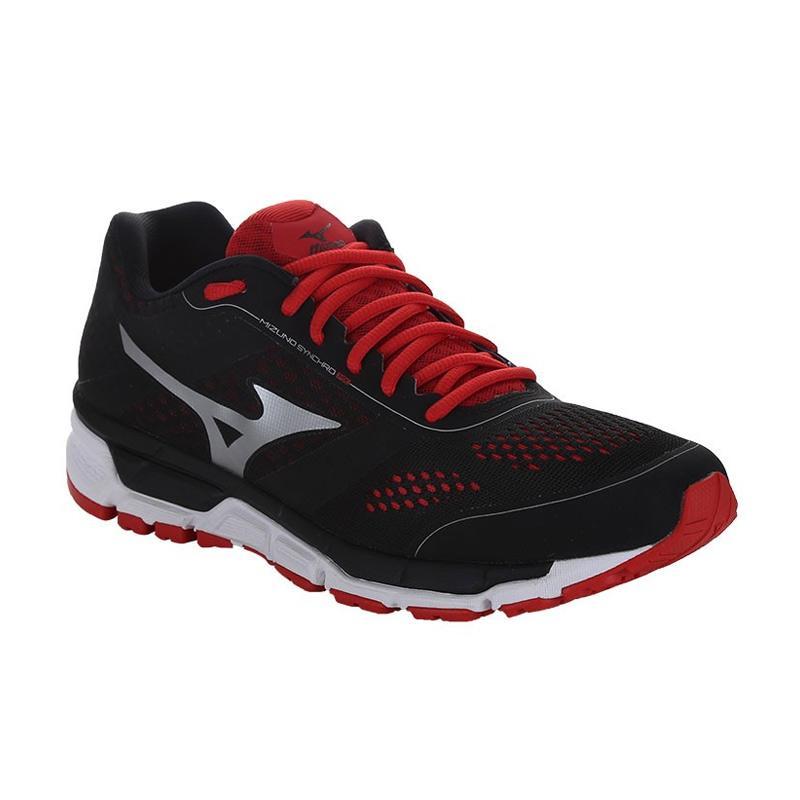 harga Mizuno Synchro MX Sepatu Lari Pria - Black Silver High Risk Red   J1GR165578  8171267d31