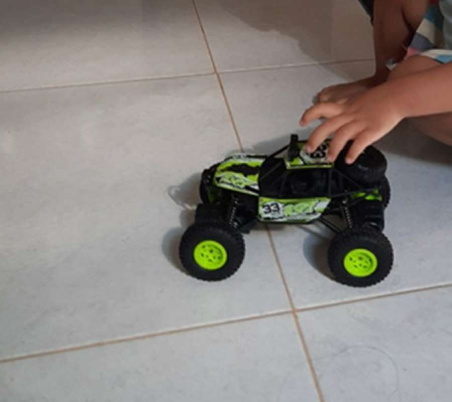 Jual Mainan Mobil Remote Control Rc Jeep Rock Climbing Crawler Offroad Online Februari 2021 Blibli