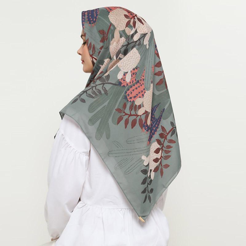 KAMI Cholla Print Nuvoile Scarf Jilbab Segiempat Wanita Pegeon
