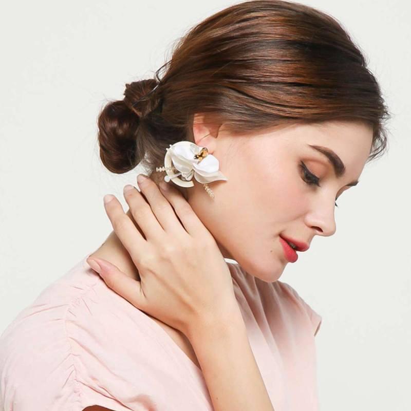 your hands Joyce Women s Earring Gold