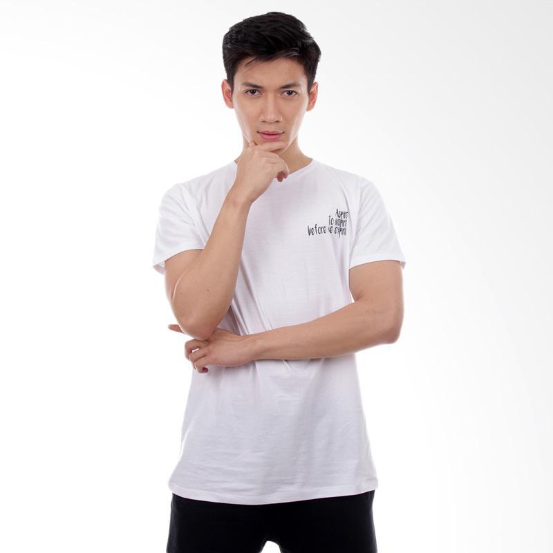 Word O Inspire Lengan Pendek T-shirt - Putih Extra diskon 7% setiap hari Extra diskon 5% setiap hari Citibank – lebih hemat 10%