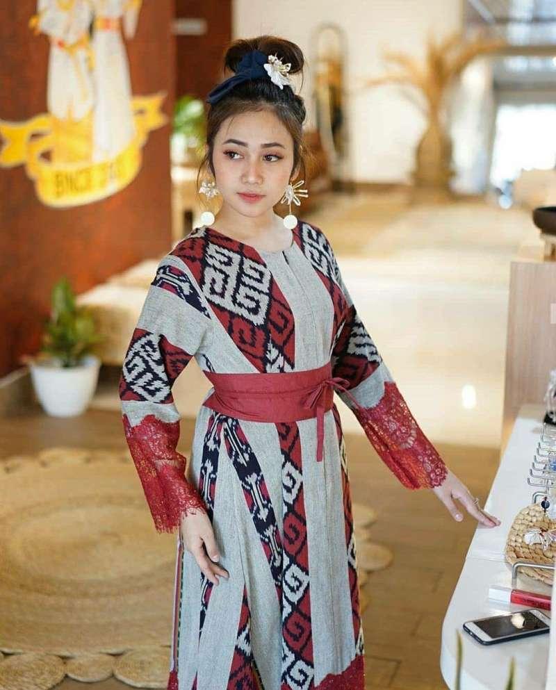 Jual Dress Tenun Ethnic Kain Troso Jepara Kombinasi Brukat Renda Online April 2021 Blibli