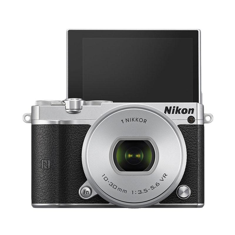 Nikon 1 J5 Kit 10-30mm - 20.8 MP Kamera Mirrorless - Silver - 9290586 , 15495918 , 337_15495918 , 5050000 , Nikon-1-J5-Kit-10-30mm-20.8-MP-Kamera-Mirrorless-Silver-337_15495918 , blibli.com , Nikon 1 J5 Kit 10-30mm - 20.8 MP Kamera Mirrorless - Silver