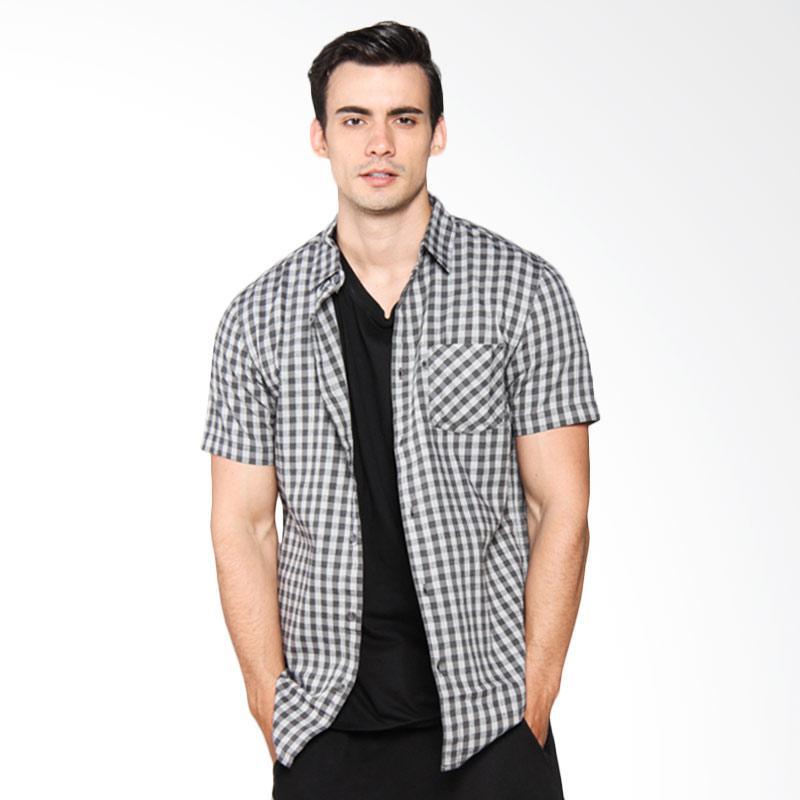 Greenlight Men Shirt Kemeja Pria - Grey 213041711