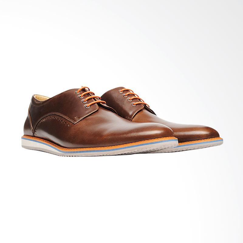 harga Life8 Hand Made Casual Leather Shoes Sepatu Pria - Brown Blibli.com