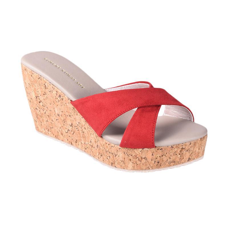 harga Yongki Komaladi SBDO 610047 Sandal Wedges - Merah Blibli.com