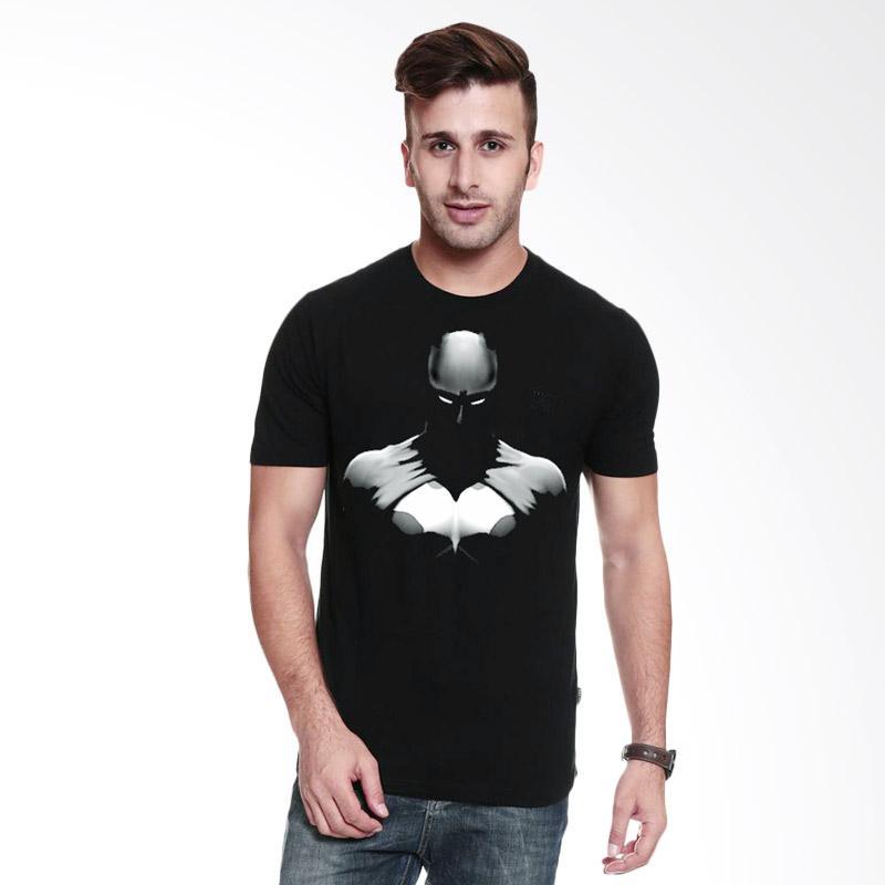 Fantasia Dark Knight Silhouette T-Shirt Pria - Hitam Extra diskon 7% setiap hari Extra diskon 5% setiap hari