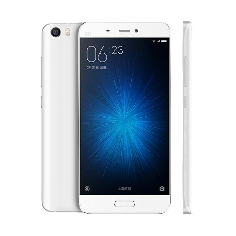 https://www.static-src.com/wcsstore/Indraprastha/images/catalog/full//1239/xiaomi_xiaomi-mi5-smartphone---white--32-gb-3-gb-garansi-distributor-_full02.jpg