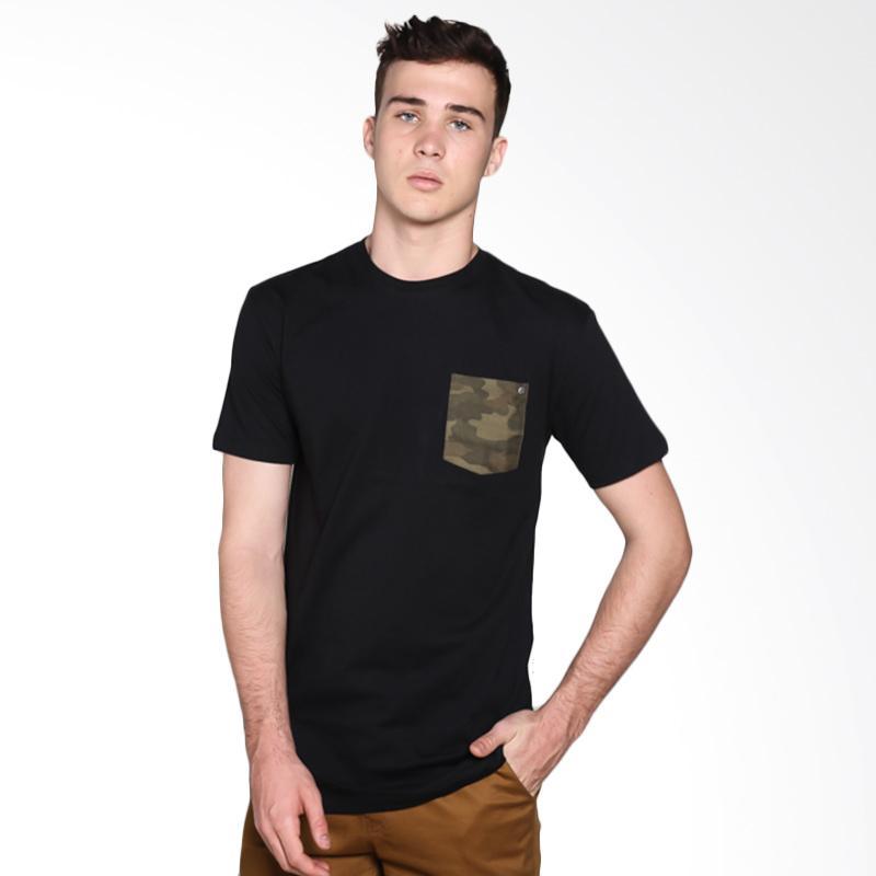 Brand Revolution 506360723333 Camopocket T-Shirt - Black Extra diskon 7% setiap hari Extra diskon 5% setiap hari Citibank – lebih hemat 10%