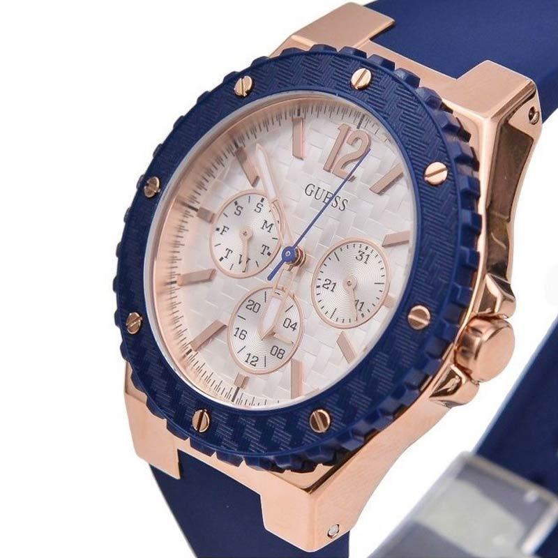 Guess Overdrive W0149L5 Rose Gold Blue MOP Dial Jam Tangan Wanita. Brand: GUESS. Belum ada ulasan