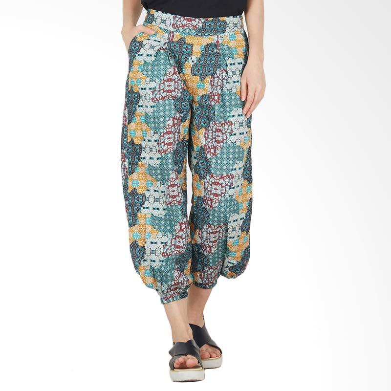 harga Berrybenka Jogger Batik Aladin In Green Celana Panjang Wanita - Green Blibli.com
