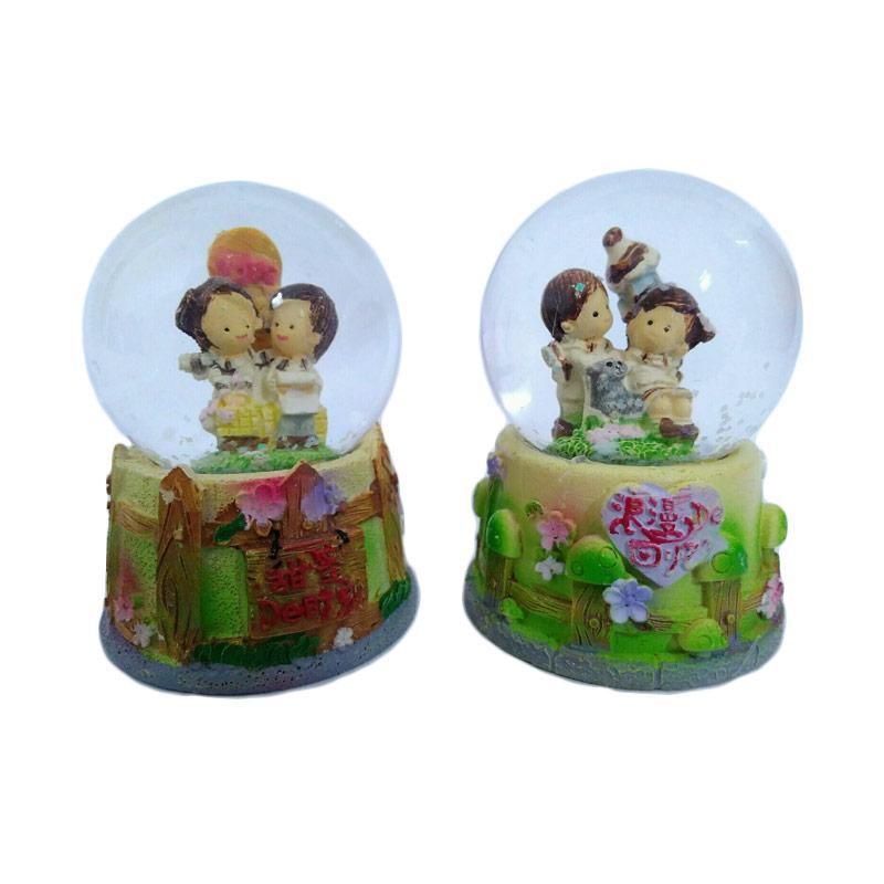 harga Kenzie Snow Globe Waterball Couple Boy & Girl G Bola Kristal Kaca Blibli.com
