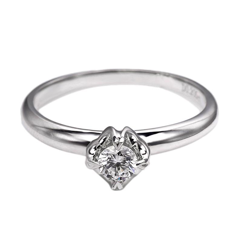 Tiaria DJXJZ004 Diamond Ring Emas Putih [18 K]