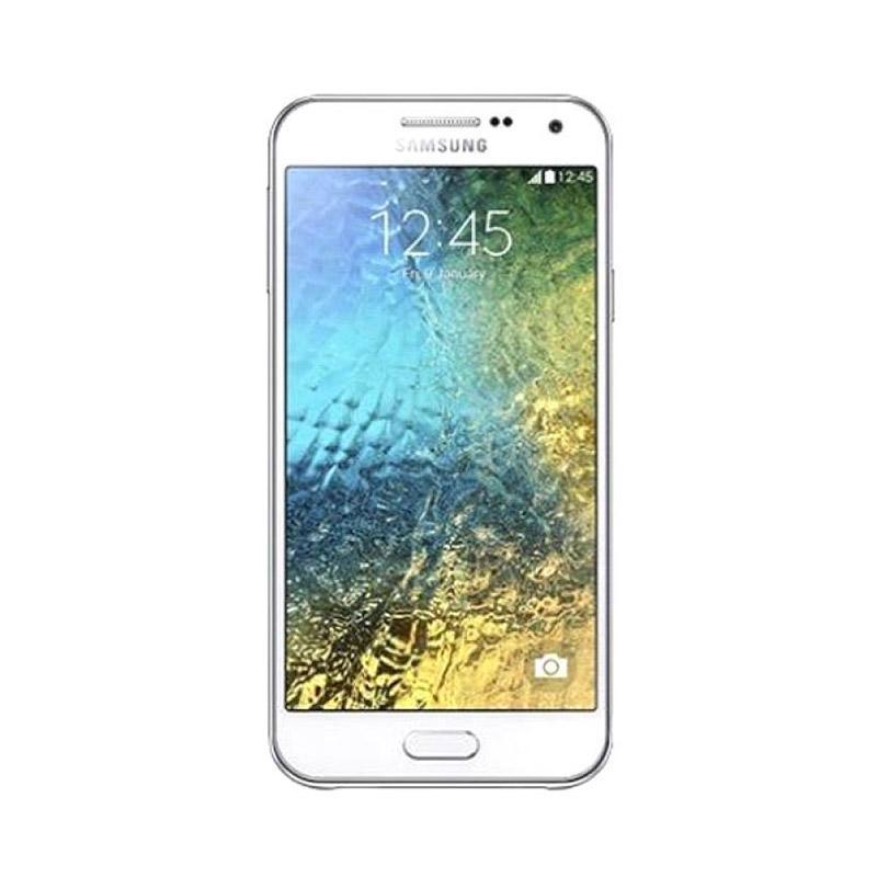 Samsung Galaxy E5 SM E500H/DS Smartphone - White [16 GB/ 1.5 GB] + Flip Wallet White
