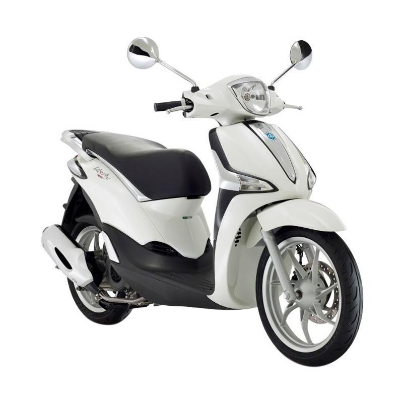 https://www.static-src.com/wcsstore/Indraprastha/images/catalog/full//1523/vespa_vespa-piaggio-new-liberty-150-abs-i-get-bianco-perla-sepeda-motor--otr-semarang-_full02.jpg