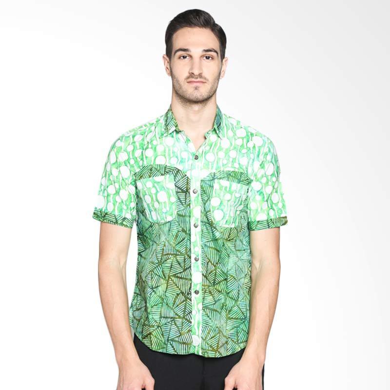 Batik Pria Tampan Triangle IN Spot Slim PKMPD-01162102C Kemeja Pria - Green