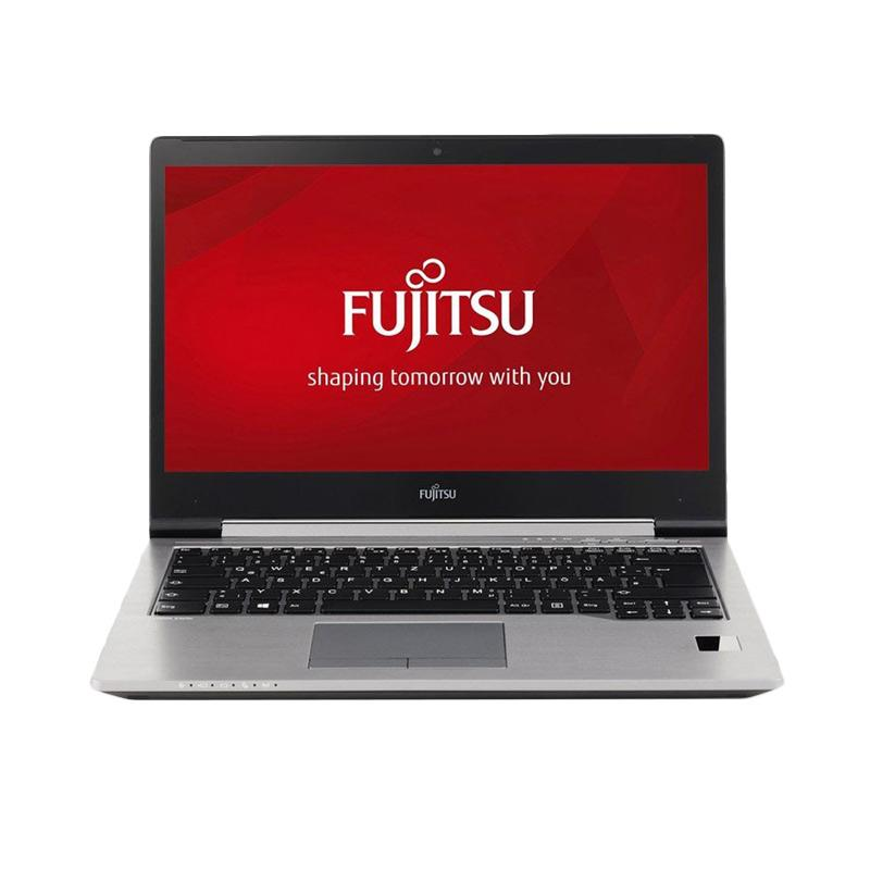 Fujitsu Lifebook U745-073 Notebook - Silver [14 Inch HD+/Intel Core i5-5200U/8 GB RAM/500 GB HDD]