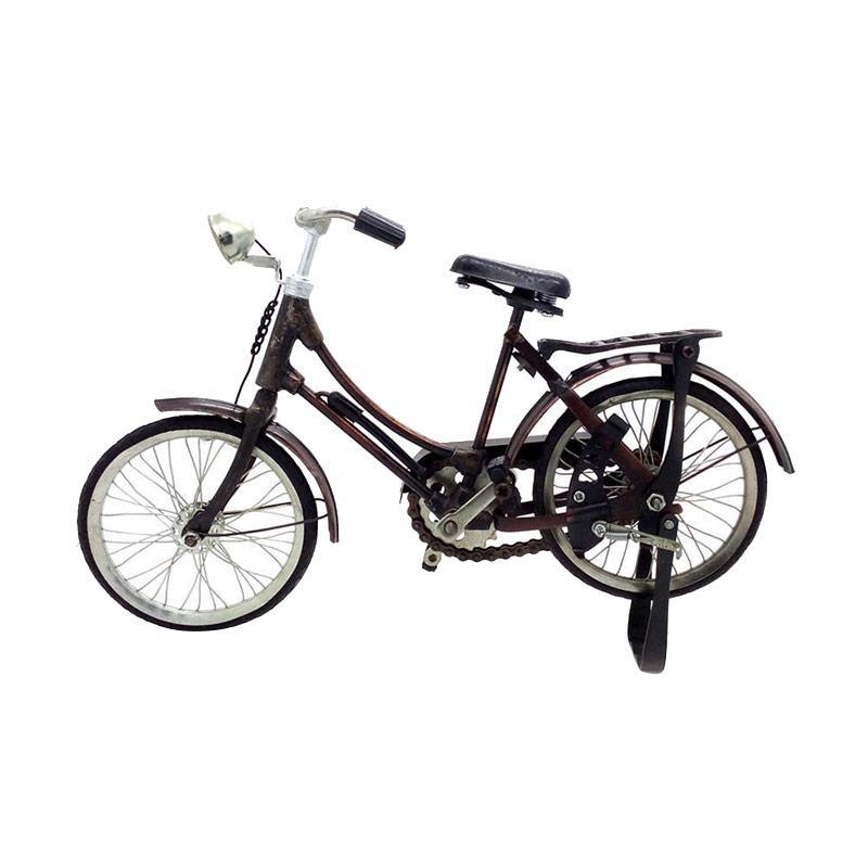 harga Central Kerajinan Miniatur Sepeda Ontel Wanita or Sepeda Onthel - Coklat Blibli.com