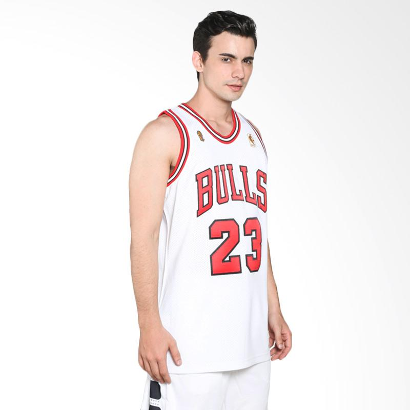 Mitchell n Ness NBA Men Chicago Bulls Michael Jordan 1996 1997 Finals Authentic Home Putih Jersey Basket Pria
