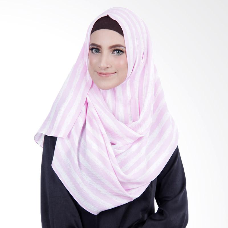 Cantik Kerudung No.5 Ariana Printed Spectacles & Earphone Friendly Pashmina Instan