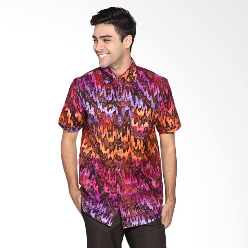 Batik Pria Tampan PKMPD-04081684C Men Diagonal Ikat Slimfit Shirt Batik Pria - Fushia