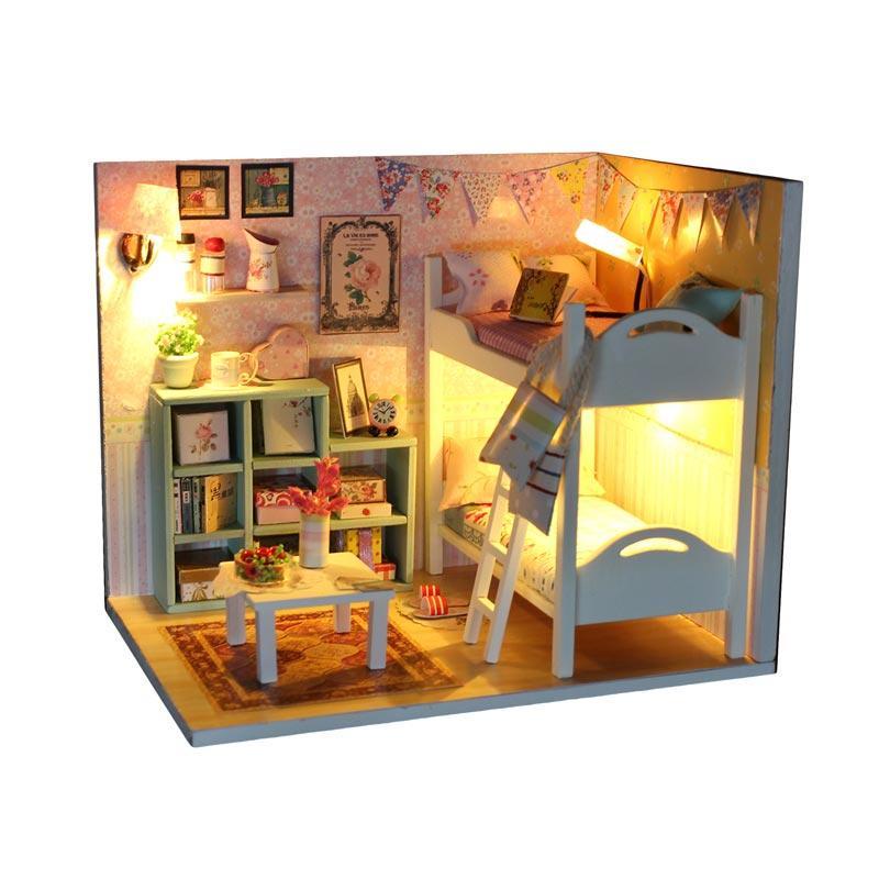 harga A1Toys DIY Miniature House Dollhouse Rumah Rumahan Kamar Chic Plus Lampu LED & Akrilik CLR Blibli.com