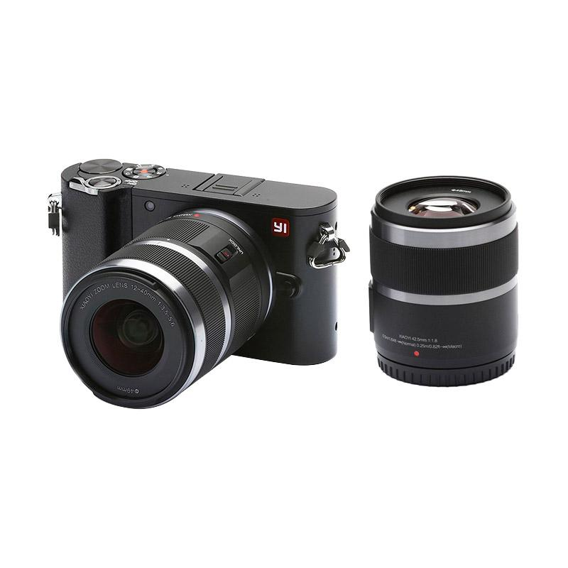 Xiaomi Yi M1 Double Kit 12-40mm F/3.5-5.6 + 42.5mm F1.8 Kamera Mirorrless - Hitam [International English Version]