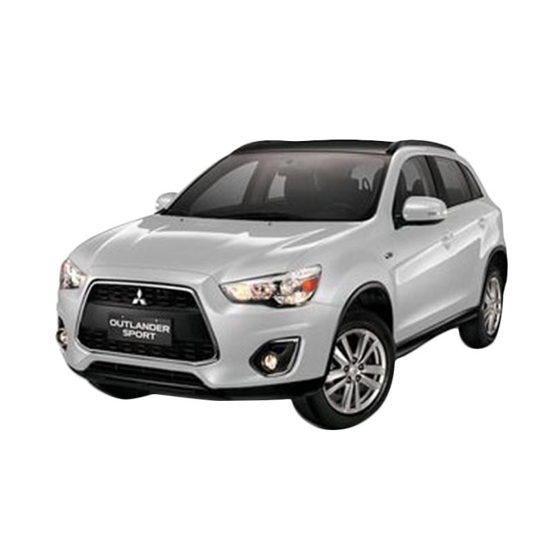 https://www.static-src.com/wcsstore/Indraprastha/images/catalog/full//2005/mitsubishi_mitsubishi-outlander-sport-2-0-px-4x2-a-t-mobil---white-pearl--uang-muka-kredit-dipo-finance-35-jadetabek-_full02.jpg