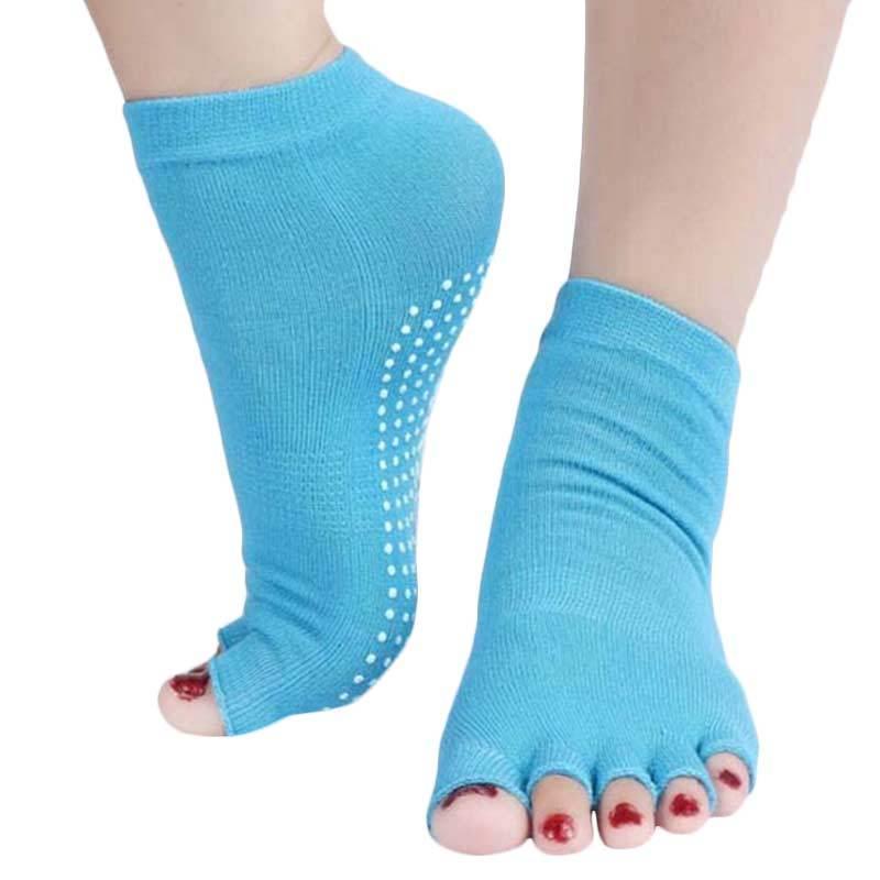 https://www.static-src.com/wcsstore/Indraprastha/images/catalog/full//736/magic879_kaos-kaki-yoga-open-toe-biru_full04.jpg