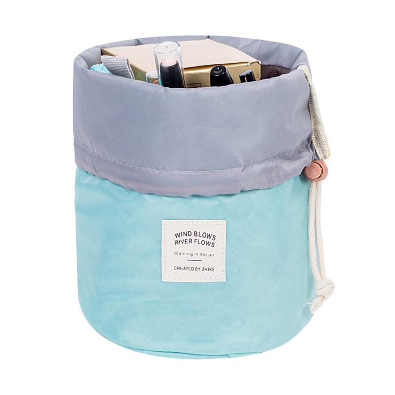 harga KarnaKamu Anti Air Make-Up Organizer - Light Blue Blibli.com