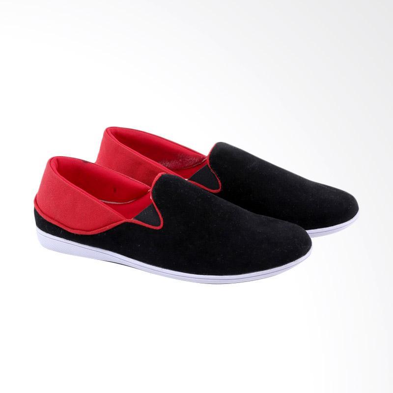Garucci Slip On Shoes Pria - Black GUR 1267