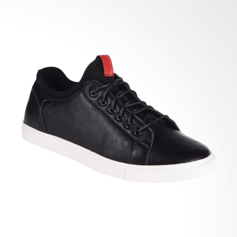 Papercut Men Chelsea Casual Shoes Sepatu Pria Black T6227