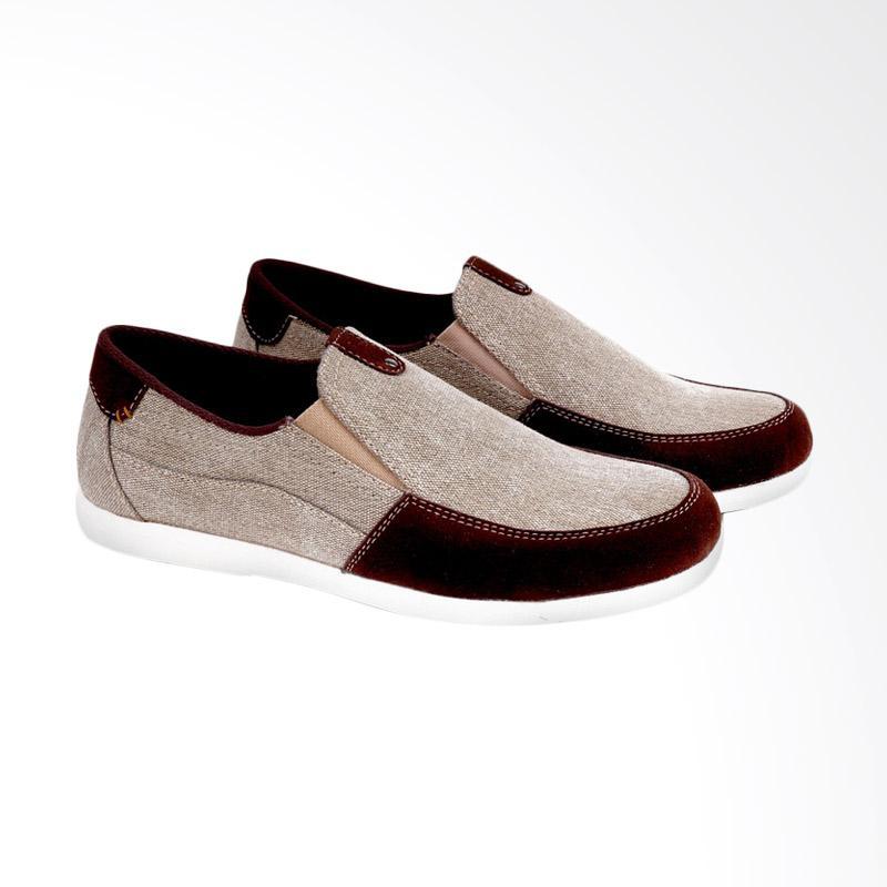 Garucci Slip On Shoes Pria - Cream GRW 1161