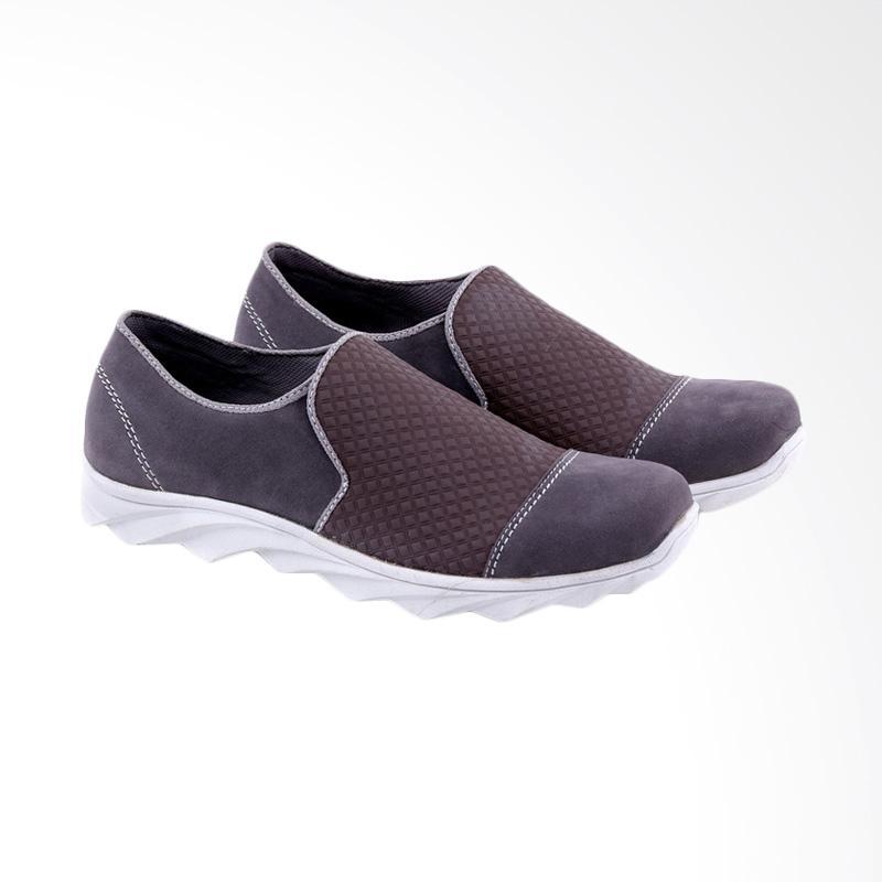 Garucci Slip On Shoes Pria - Brown GUD 1259