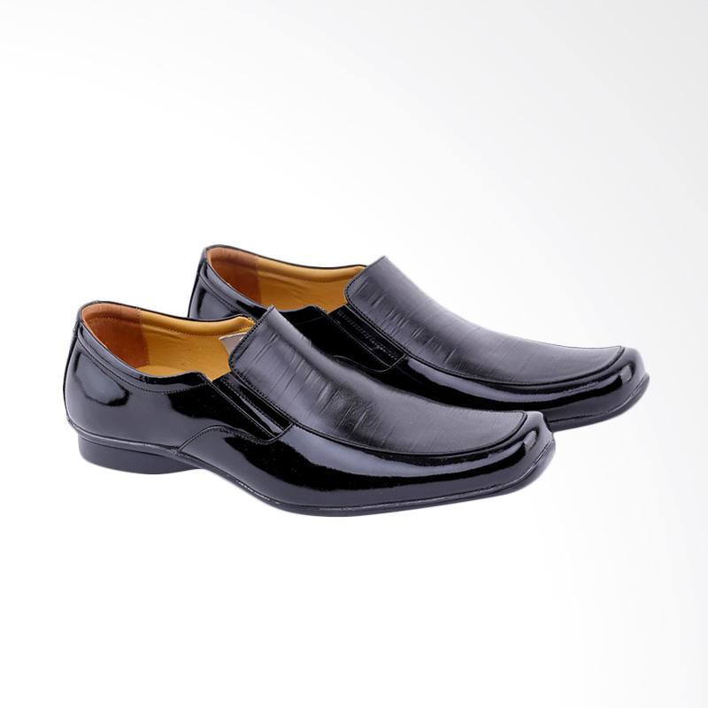 Garucci Sepatu Formal Pria GH 0382