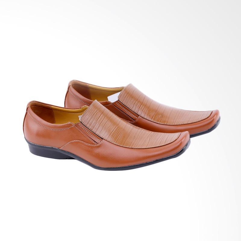 Garucci Sepatu Formal Pria GH 0384