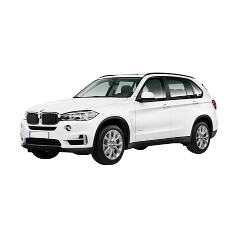https://www.static-src.com/wcsstore/Indraprastha/images/catalog/full//844/bmw_bmw-x5-xdrive-25d-a-t-mobil---alpine-white_full02.jpg