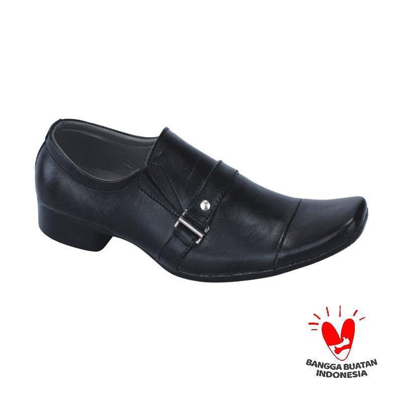 Harga Sepatu Kerja Formal Pantofel Pria Catenzo MP 091 - PriceNia.com b872cded35