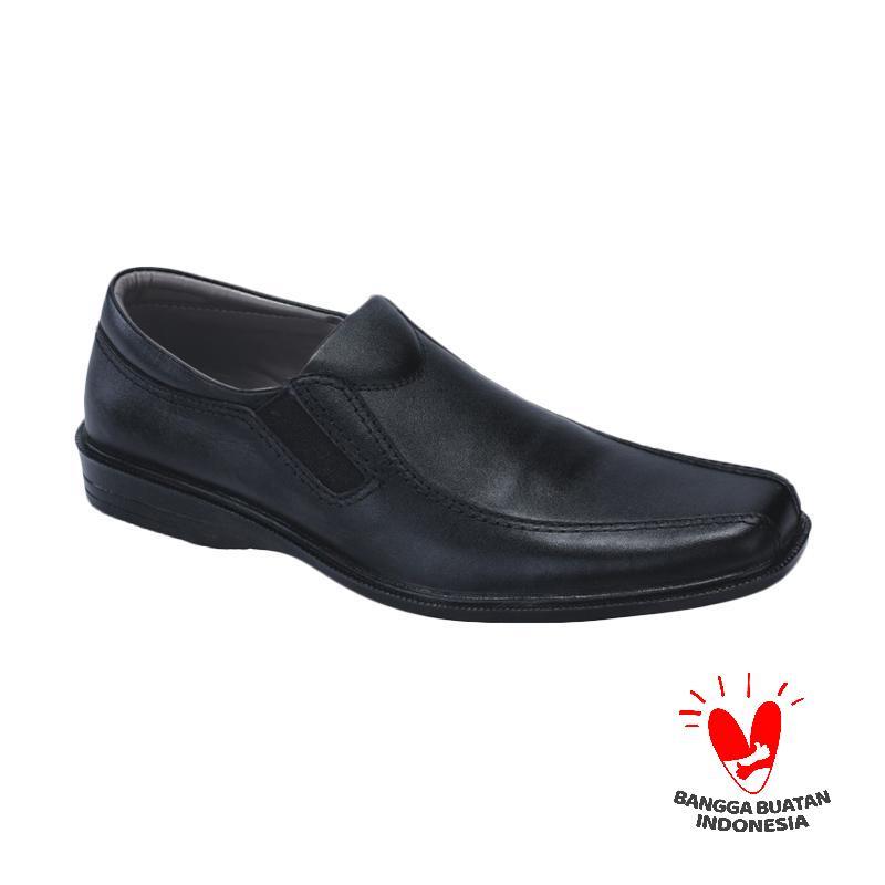 Catenzo Sepatu Pria MP 093