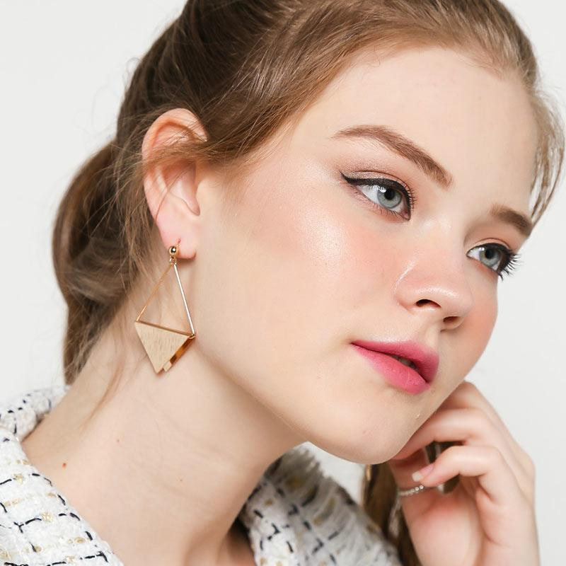 Ben Bella 21 18 Triangle Metal Earrings