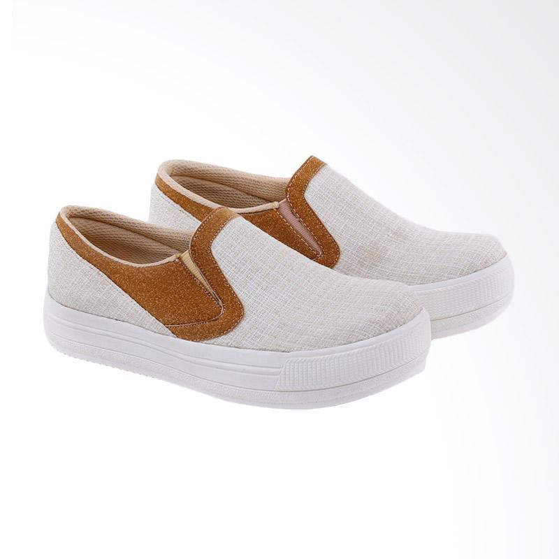 Garucci GBK 7230 Slip On Shoes Wanita
