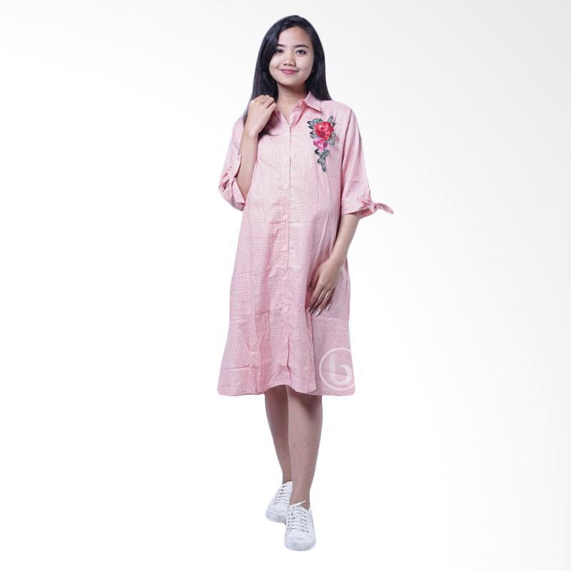 https://www.static-src.com/wcsstore/Indraprastha/images/catalog/full//86/MTA-1451092/mama-hamil_mama-hamil-bunga-rose-kotak-yoona-dro-850-dress-hamil---pink_full05.jpg