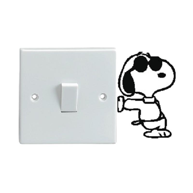 OEM Motif Snoopy Anjing Kacamata Dekorasi Tombol Lampu Saklar Wall Sticker - Hitam
