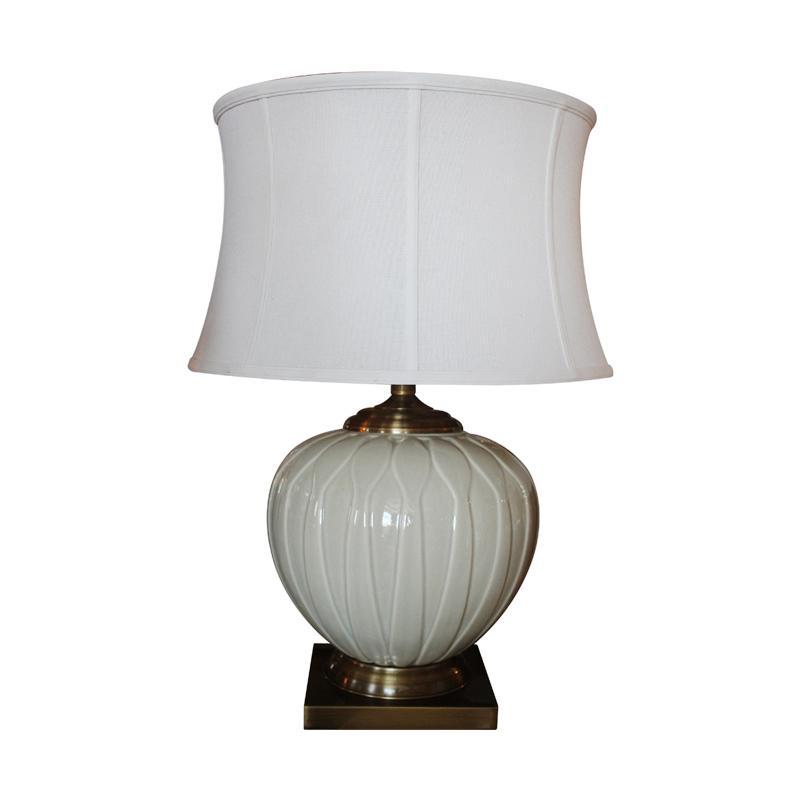 Thema Home 6888 Green Pea Table Lamp - White Black
